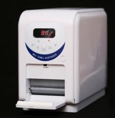 Dispenser of disposable damp towels of an oshibora