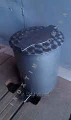 The container (tank) for garbage, supports under