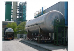 Stationary tanks for storage of liquid carbon