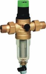 Компактный фильтр для воды с регулятором давления
