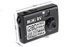 Pass the MINIDV D006 720P video camera