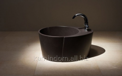 Bathtub for legs round with a prefix for the mixer