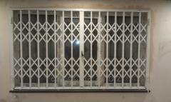 Раздвижные решётки на окна и двери