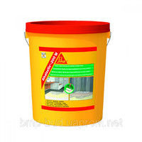 Elastic waterproofing covering for damp rooms of