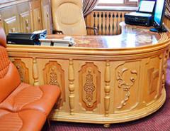 Стойка-стол секретаря в кабинет