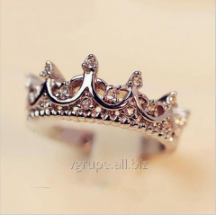 Female ring crown