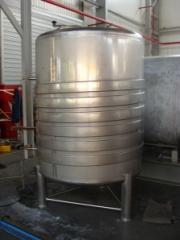 Tanks are corrosion-proof, capacity food stainless