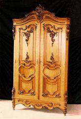 Case carved