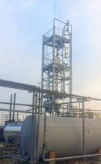 Compact installation for the processing of oil and