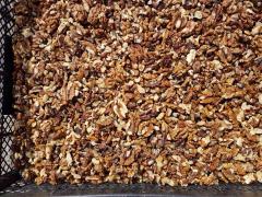 Light-amber mix of a walnut