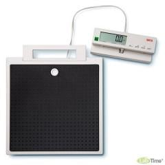 Bathroom scales with the portable cable Seca 899