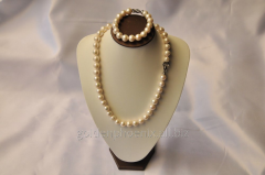 Beads and bracelet from a stone Pearls 107658798