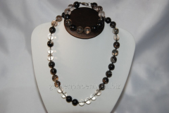Beads and bracelet from a stone Agate 115401452