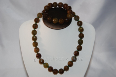 Beads and bracelet from a stone Agate 115874000