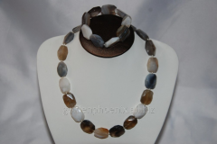 Beads and bracelet from a stone Agate 124230300