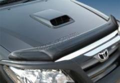 Дефлектор капота (мухобойка) на Toyota Fortuner,