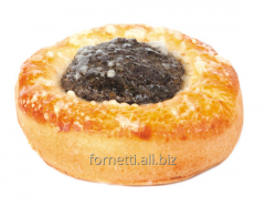 Cheese cake with poppy, raisin and cinnamon