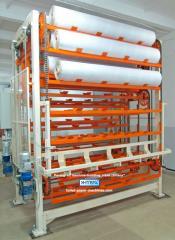 Rack-type elevator (paternoster)
