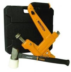 The hammer for floor coverings mechanical