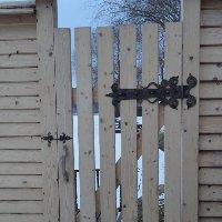 Кованые дверные петли