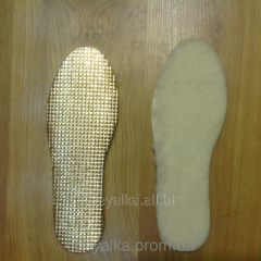 Fur insoles on footwear from sheep wool