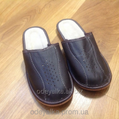 Slippers 36-45 sizes, man's from skin and fur