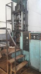 The press automatic machine for pressing of