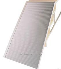 La rampa abatible de aluminio para los cochecitos
