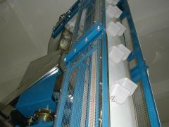 Conveyors and chute hoists for piece cargo