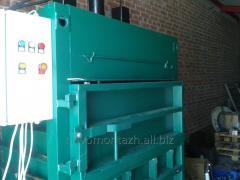 Press for waste paper, polyethylene, bottle PET, a