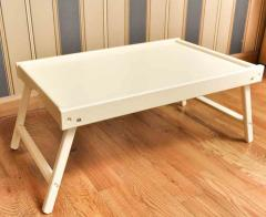 Little table in a bed