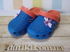 Детская обувь для пляжа и бассейна.