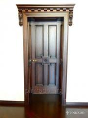 Дверь из древесины