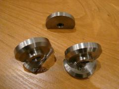 Plugs from a stainless steel (inserts, croutons)