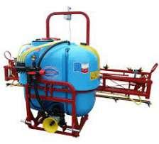 Sprayer of hinged Wirax 1000 l./14 m.