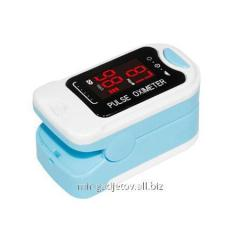 Portable pulsoksimetr on a finger for measurement