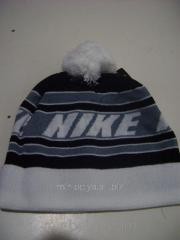 Men's Nike cap warm with a bubo a white top