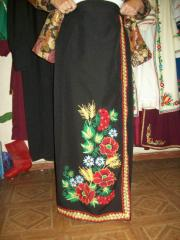Skirts are scenic. Ukrainian national clothes.