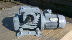 The MCh100-28-56 motor reducer with el. dvig 2,2