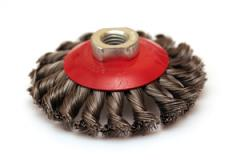 Brush cup-shaped from corrugated wire with the