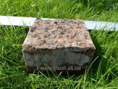 The stone blocks is figured, a mezherichka (red