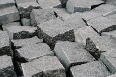 Stone blocks of chipped 100х100х100 mm,
