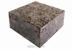 Stone blocks sawn and chipped of a pencil of