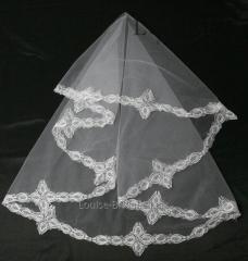 The veil embroidered 9-C