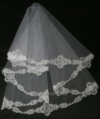 The veil embroidered 8-C