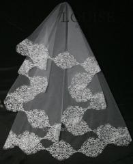 The veil embroidered 5-C