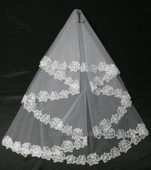 The veil embroidered 4-C