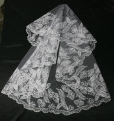 The veil embroidered 13-C