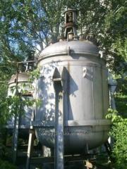 Реактор зелёный эмалированный, объемом 5 метров кубический.