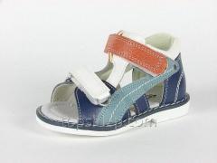 Summer children's orthopedic footwear of a